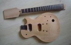 ponçage du corps de la guitare